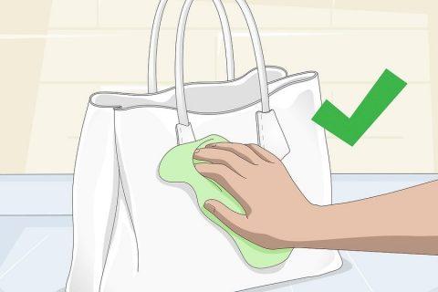 Cách làm sạch túi da màu trắng